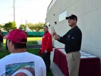 49ers-practice-visit-2011-12-02-3